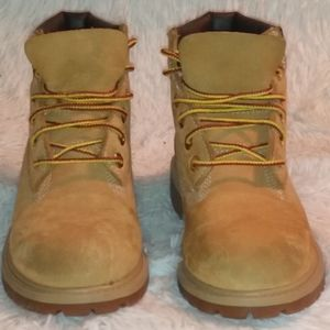 Timberland unisex tan butters boots